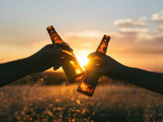 Cerveza: obsesión divina degustada por mortales